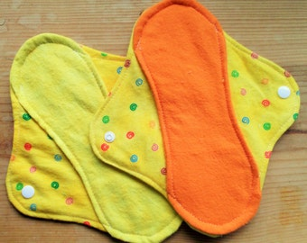 6 Moon-thly Pantyliners - Yellow with Swirls