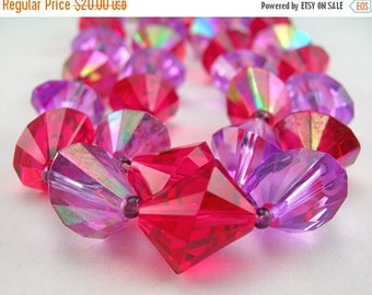 """Lucite Beads 24"""" Necklace, Faceted Beads, Fuchsia Pink and Lavender, West Germany, circa 1960s, Vintage Necklace, Costume Jewelry"""