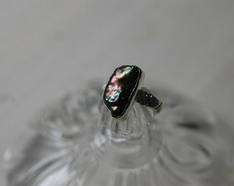 Black pearl silver ring iridescent freeform biwa pearl sterling silver ring with floral band. Size 9