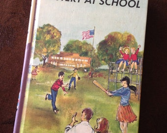 Vintage Bobbsey Twins Book 4 Mystery at School