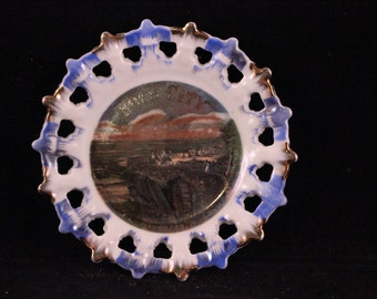 Vintage Blue and White Lace Edge Rock City Lookout Mountain Souvenir China Plate