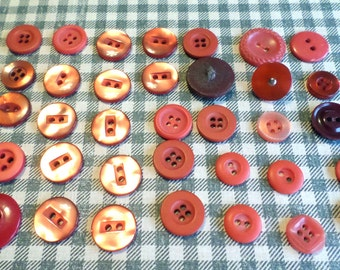 35 RED VINTAGE Buttons