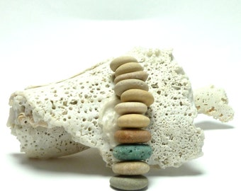Sea Slag Glass Stone Pebbles Strand Natural White and Blue Pebble Mix Rock Donuts Jewelry Spacers Small Wheels Donuts PASTEL WINTER