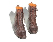 Size: 7.5 Vintage Italy Brown Soft Leather Ankle Boots  Unique Hipster