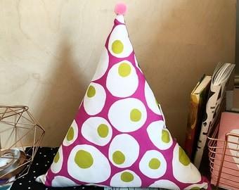 Egg Love pattern Triangle Plush