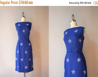 STOREWIDE SALE 50s Dress / 1950s Royal Blue Linen Wiggle Dress / 50s Fitted Embroidered Eyelet Dress
