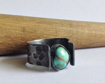 Old Stock Turquoise Ring with Hammered Band - Size 9.5 Turquoise Ring - Turquoise Jewelry - Modern Turquoise Ring