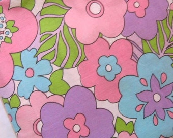 1970s Floral Cotton Sheet Fabric