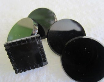 Vintage Buttons - lot of 5 jet black mourning glass, Victorian, medium size (lot oct 314 )