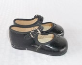 50s 60s Vintage Baby Girl or Toddler Mary Jane Shoes