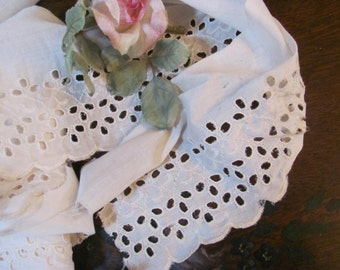 Flat Cream  Eyelet trim, Lace, Scalloped 4 Yards 6.5  iches wide