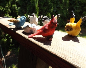 FREE SHIPPING collection of bird figurines (Vault 6)