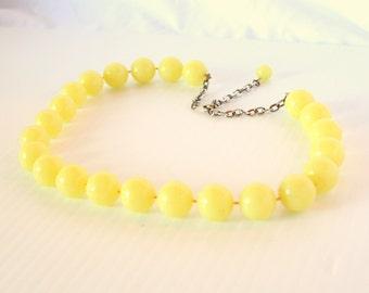 Vintage Yellow Bead Choker Moonglow Yellow Lucite Necklace Pale Lemon Bead Adjustable Choker
