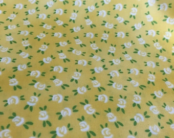 floral fabric | dainty white roses | yellow fabric | feedsack floral | rosebuds | flowers | Aunt Lindy Paper Dolls 7175-9 by the yard