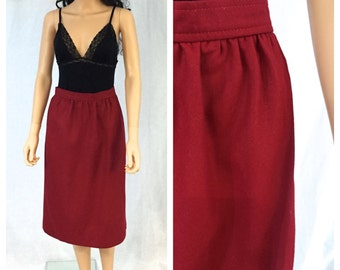 Vintage Red Wool Pencil Skirt. Size 10. Petites. Christmas. Classic. Festive. Holiday. Straight Skirt. Under 30. Wool Winter Skirts.