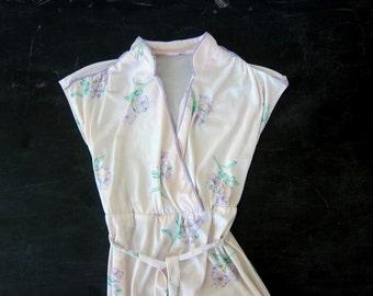 RETRO Dress 1960s Sleeveless Asian Inspired Twiggy Dress size Summer Sundress Floral Flower Print Deep VNeck Wiggle Dress Size Small Medium