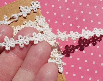 Antique Lace Vintage Lace Trim Small Scale Flowers