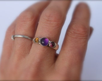 Birthstone Ring. Three stone. 6mm center/4mm side stones. Mom love. Silver Mothers Ring. Amethyst. Grandma. Sisters. Garnet. topaz. peridot