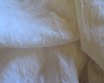 1 1/4 Yard of White Stretch Lace