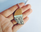 Wooden Necklace - Speckled cream and mint