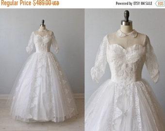 SALE Vintage 1950s Wedding Dress / 50s Lace Wedding Dress / PeterPan Collar/ Swan