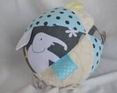 Elephant/Hippo/Giraffe Ribbon Tag Cloth Jingle Ball Baby Toy