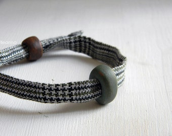 Men bracelet. Adjustable. Fabric and ceramic bracelet. Made in Italy. Glen plaid. Sage green, forest green, white.