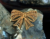 Retro Miriam Haskell Filigree Stamping, Bow Brooch, DIY Decorating, Beading, Wire Work, Russian Gold Plate, Excellent Condition