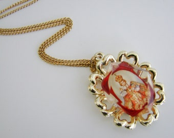 Vintage gold necklace with king/ pope/ saint pendant (N16)
