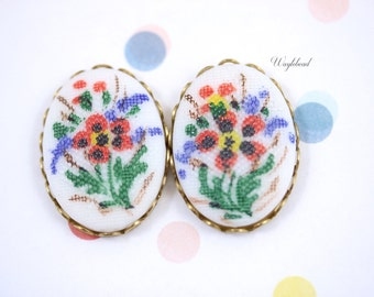 Needlepoint Textured Vintage Oval Glass Cabochons 25x18mm Red Black Blue Green Botanical Flower - 2 .