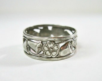 Vintage Uncas Art Deco Wedding Ring - Band - Sterling Silver - Wedding Bells - Flowers - Size 8 - Patterned Band - 1930s to 1940s