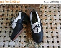 20%OFF Black Friday Sale Size 6 Vintage Black & White Leather Capezio Tie Dance Shoes Heels