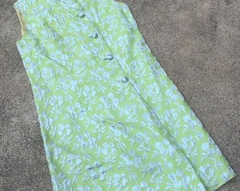 1960s 1970s Sleeveless Shift Dress - Lime Green and Sky Blue Lame Floral Patterned Dress - Summer Wedding - 36 37 Bust