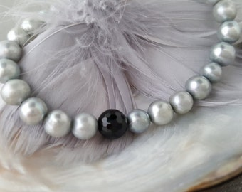 Grey Pearl Bracelet  Black onyx gemstone fresh water pearls wedding jewelry elegant acessories