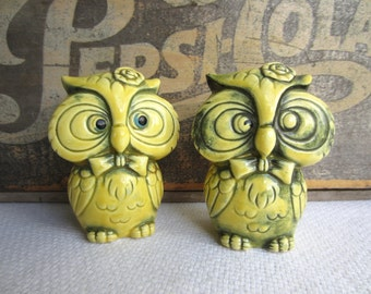 Vintage Retro Yellow Owl Salt and Pepper Shakers Japan