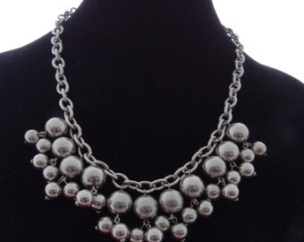 """Vintage chunky 20"""" silver tone necklace with dangling 1"""" balls in great condition"""