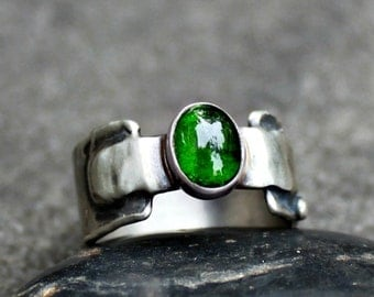 Chrome Diopside Ring - Green Stone Ring - Sterling Silver Ring - Thick Band Ring - Silver Ring - Organic Stone Ring - Rustic Ring - US 7.5