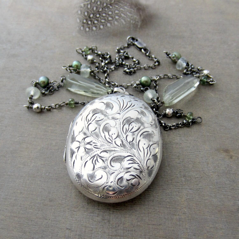 large locket necklace silver oval locket sterling silver. Black Bedroom Furniture Sets. Home Design Ideas