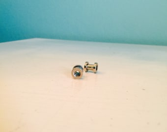 Stainless Steel 4g Screw On Tunnel Studs