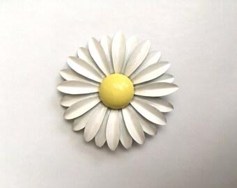 Vintage Jewelry Women's 60's Flower Pin, Large, Daisy, White, Yellow, Enamel, Mod