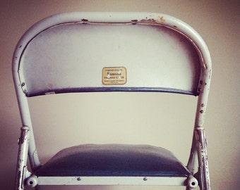 Mid Century Samsonite Folding Chair.