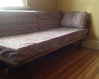 Mid Century Modern Day Bed. Frame and 4 Cushions. Paisley Pattern.