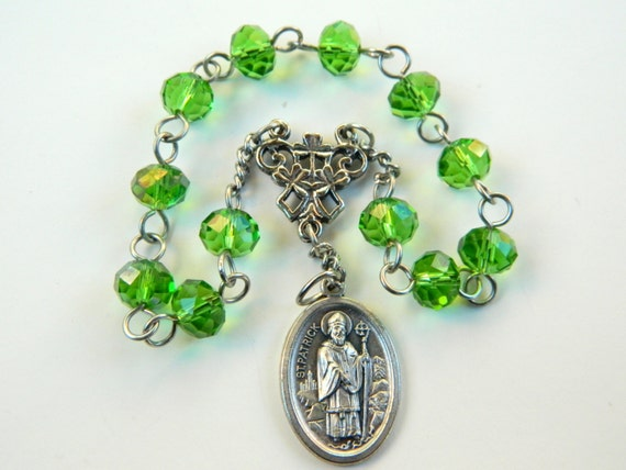 Saint Patrick Car Chaplet Rosary with Shamrock Connector and Relic Medal: Patron of Ireland