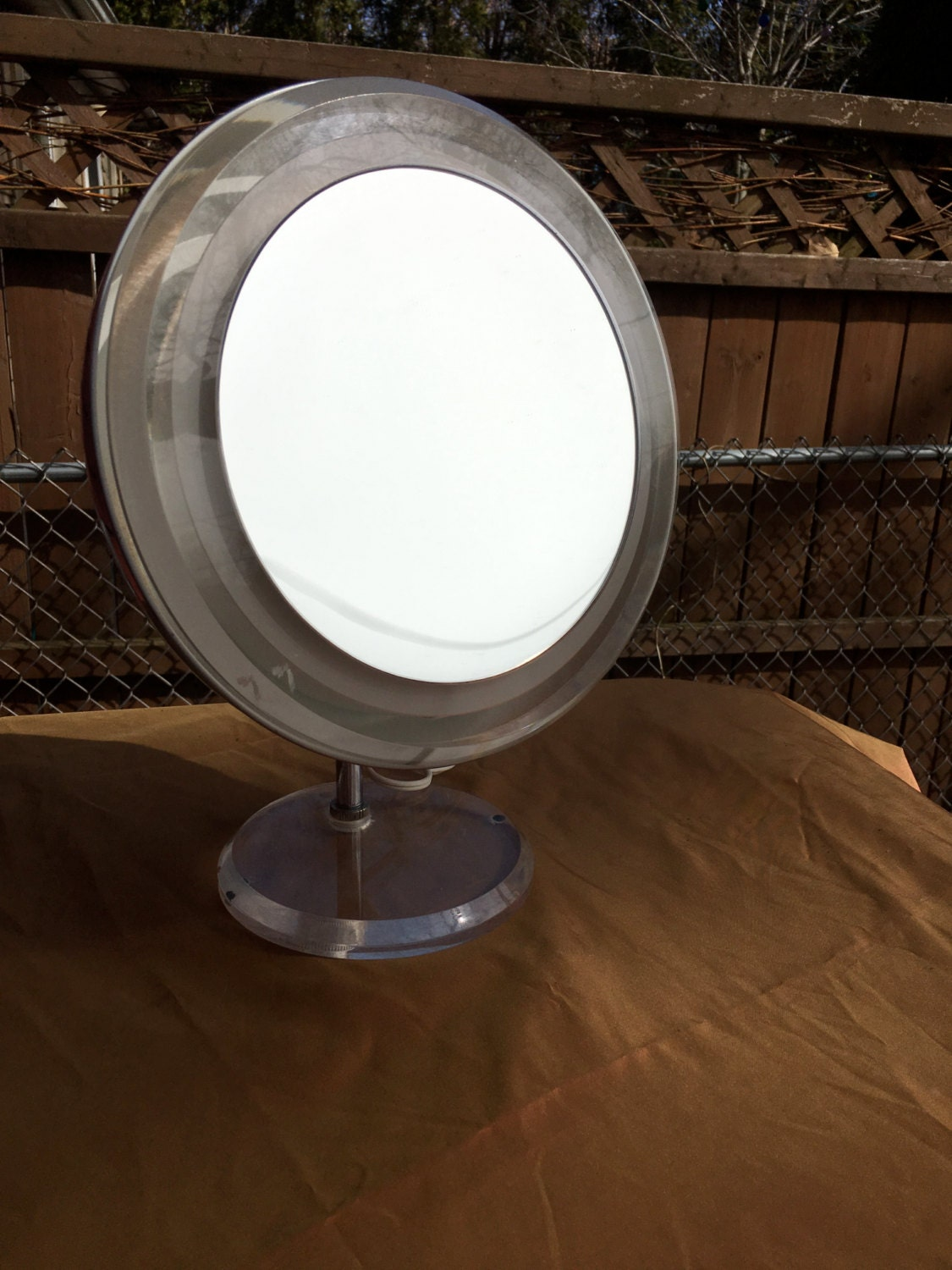 Vintage Rialto Lighted Magnified Makeup Mirror Countertop