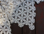 Vintage Tablecloth Hand Crocheted Cream Off White Snowflake Design Doily Style Wedding Shabby Cottage Chic Home Decor Large Rectangular
