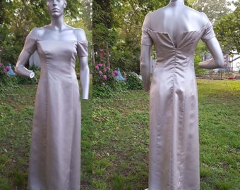 35% OFF Off the Shoulder Vera Wang Dress/ Vintage Bridesmaid Dress in Champagne/ 90s Prom Dress/ Wedding Size