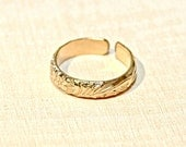 Gold filled organic leaf toe ring - Gold Toe Ring TR921