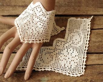 Vintage Filet Lace Cotton Cuffs - Edwardian Cotton Cuffs - Salvaged Creamy White Cuffs