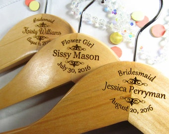 8 Personalized Wedding Party Hangers Engraved Bridesmaid Gifts Bridesmaid Hangers Maid of Honor Wedding Bridal Party Hangers Oval Style