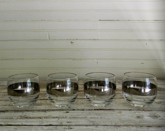 Vintage Cocktail Glasses, 1960s Roly Poly Silver Banded Whiskey Glasses, Dorothy Thorpe MCM Barware, Silver Banded Drink Tumblers, Set of 4